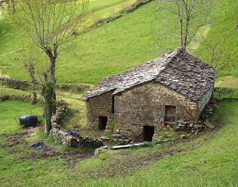 The Pas cottage