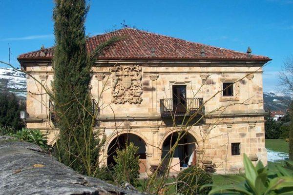Casa de Ceballos Villegas San Vicente de Toranzo