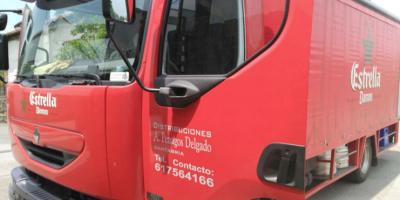 Camión distribuidor.
